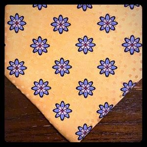 Jos A Bank yellow print silk tie 3.75 inches wide
